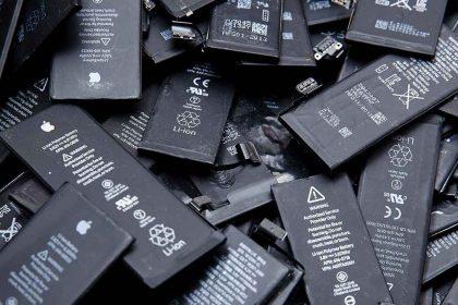 چرا باتری موبایل باد می کند؟