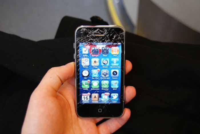 مدل گوشی موبایل بر هزینه تعمیر تاچ گوشی موثر است